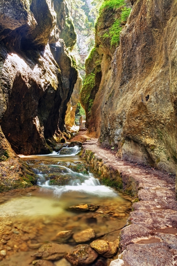Hike through the natural system of gorges and canyons
